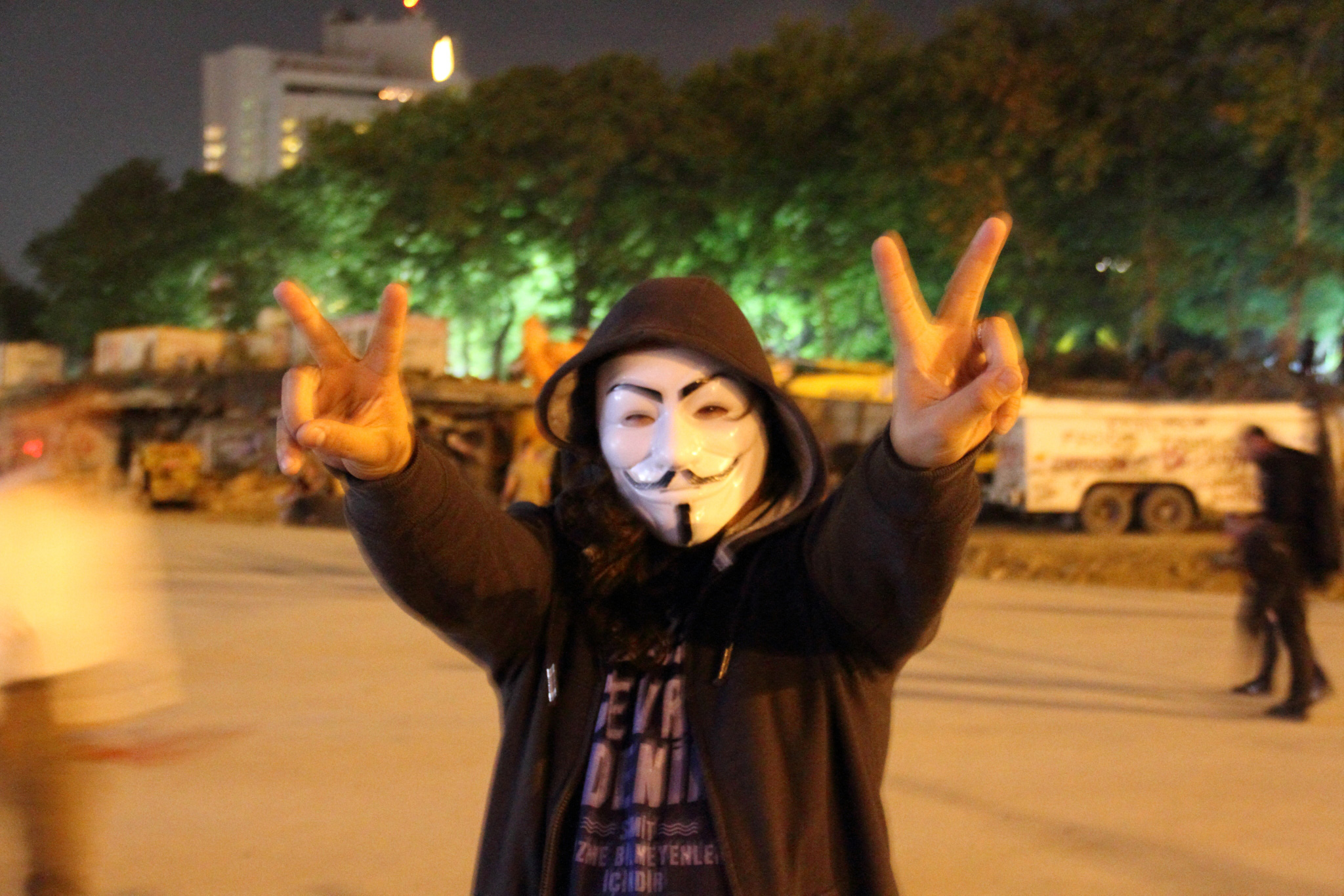 Taksim_Square_Guy_Fawkes_mask,_4_June_2013-for-web2